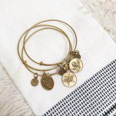 Travel worry free and still enjoy gorgeous diamond jewelry. Mens Diamond Bracelet, Diamond Hoop Earrings, Bracelet Set, Charm Jewelry, Gold Jewelry, Link Bracelets, Jewelry Bracelets, Palm Beach Jewelry, Latest Jewellery