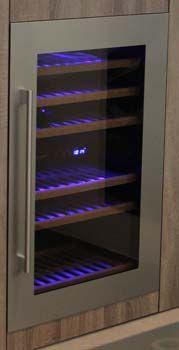 Inspiratie elmi keukenontwerp www.keukeneindhoven.nl #keuken #wijnkast