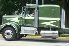 Movin' On Kenworth Show Trucks, Big Rig Trucks, Old Trucks, Heavy Duty Trucks, Heavy Truck, Custom Big Rigs, Custom Trucks, Ranger, Truck Transport