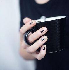 nails // via the glossier nerd