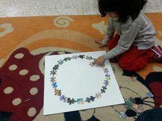 """το σημα της ειρηνης στα πλαισια του θεματος """"28η οκτωβριου"""". ομαδικη κατασκευη απο κομματια παζλ. νηπιαγωγειο γεργερης- ηρακλειο"""
