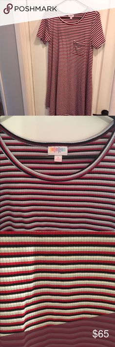 🦄LuLaRoe Carly Carly hi-low hemline dress from LuLaRoe. Size Small fits much larger (L/XL). Ribbed material. Striped in white, gray, red and deep navy. May be black- I've worn it with both! Excellent condition. Offers welcome, bundles encouraged! LuLaRoe Dresses