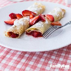 Crazy for Crepes: Turn a weekend breakfast into a berry yummy event with this simple recipe for the classic French pancakes. #FamilyFunMagDay