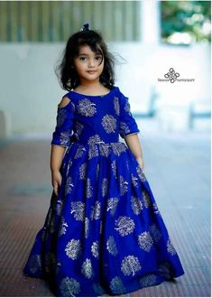 Kids Party Wear Dresses, Kids Dress Wear, Baby Girl Party Dresses, Kids Gown, Little Girl Dresses, Long Frocks For Kids, Cotton Frocks For Kids, Frocks For Girls, Gowns For Girls