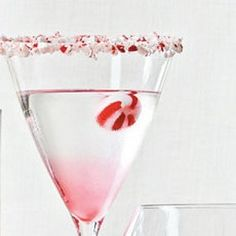 Candy Cane Martini #candycane #peppermint #christmas