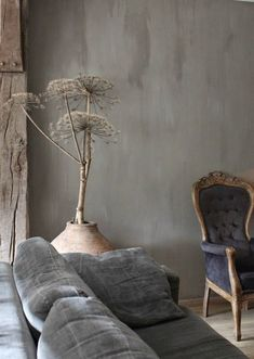 Het Moonhuis: Haal de herfst in huis What is that? A giant dandelion? Wabi Sabi, Living Room Sofa, Living Room Decor, Mad About The House, Piece A Vivre, Home And Deco, Ikebana, Decoration, Home And Living