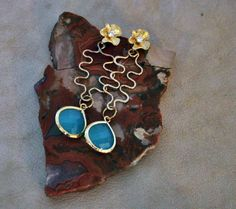 Hey, I found this really awesome Etsy listing at https://www.etsy.com/listing/174879847/18ct-gold-flower-post-earring-cubic