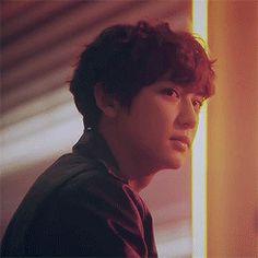 Baekhyun, Park Chanyeol Exo, Exo Movies, Exo Birthdays, Gif Kpop, Chen, Rapper, Bi Flag, Kai