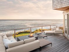 Coastal-Style Decks, Patios and Porches Cozy Backyard, Backyard Patio Designs, Patio Ideas, Jacuzzi, Outdoor Spaces, Outdoor Living, Outdoor Patios, Outdoor Kitchens, Beach House Deck