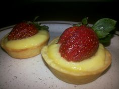 My homemade fruit tart.... ^-^