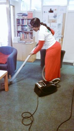 Cleaning in Action #MandelaDay #Time2Serve @Brand_SA @sapeople @ProudlySA #Winchester #UK @SABCNewsOnline @GCISMedia  (Image: @pumelasalela)