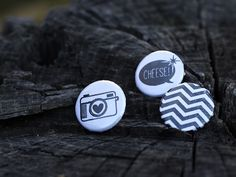"""Lot de 3 Badges """"Cheese"""" via Sweet Moment. Click on the image to see more!"""