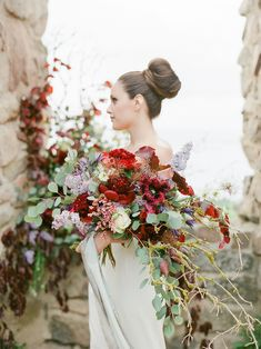 This styled shoot bursting with florals, was inspired on the concept of contrast - and all the striking beauty that comes from it!