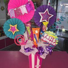 Creaciones D'encantos C.A. (@dencantos) | Instagram photos and videos Paper Art, Paper Crafts, Birthday Box, Candy Bouquet, Diy Crafts For Gifts, Ideas Para Fiestas, Favor Boxes, Inspirational Gifts, Cool Diy