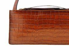 10 #Consejos útiles de como mantener tus #bolsos de cuero siempre impecables.  http://www.puracepastyle.es/blog/10-consejos-utiles-de-como-mantener-tus-bolsos-de-cuero-impecables/  #bolso #mujer #piel #complementos #accesorios #moda #fashion #fashionbloggers