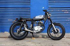 La Flirty Little es la customización de CRO sobre una base Yamaha SR 125. By Cafe Racer Obsession.
