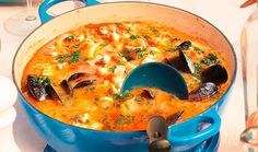 A simple bouillabaisse recipe. A Provençal classic, this hearty seafood soup is simple to prepare yet full of flavour. Bouillabaisse Marseille, Bouillabaisse Rezept, Seafood Bouillabaisse, Dutch Oven Cooking, Dutch Oven Recipes, Cast Iron Cooking, Dutch Ovens, Fish Recipes, Seafood Recipes