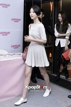 Sulli fx Sulli Choi, Choi Jin, Airport Style, Airport Fashion, Girl Fashion, Womens Fashion, Red Carpet Fashion, Korean Beauty, Kpop Girls