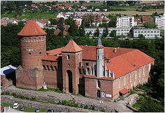 Reszel Castle in northern Poland was built in the century by the Teutonic Knights. The castle changed hands many times over the centuries, and for a time was used by Prussia as a prison. Scary Places, Haunted Places, Castle Painting, Gothic Castle, Germany Castles, Fortification, 12th Century, Poland, Lithuania