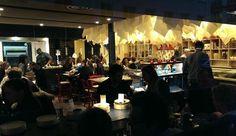FRANCE - Paris - RESTAURANT. Medi Terra Nea, bar à tapas sur tapis roulant, à Paris 9e