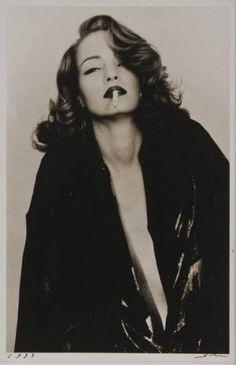 Femme à la cigarette, 1993    by Sheila Metzner