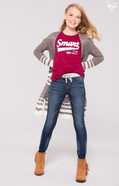 A pair of soft and stretchy skinny jeans, a positively adorable graphic tee and a long, open-front cardi... now THAT'S smart style!