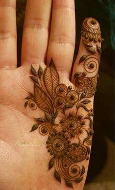 Henna Hand Designs, Mehndi Designs Finger, Modern Henna Designs, Henna Tattoo Designs Simple, Floral Henna Designs, Mehndi Designs Book, Mehndi Designs 2018, Mehndi Designs For Girls, Mehndi Designs For Beginners