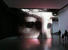 Philippe Parreno / PalaisDeTokyo Philippe Parreno, Artistic Installation, Light And Space, Art And Technology, Paris, Light Art, Artist Art, Contemporary Artists, Sculpting
