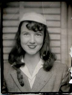 ** Vintage Photo Booth Picture **   Sweet smile of a young woman