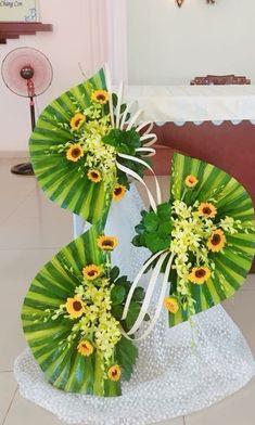 Tropical Floral Arrangements, Large Flower Arrangements, Flower Centerpieces, Flower Decorations, Altar Flowers, Church Flowers, Table Flowers, Paper Flowers, Floral Artwork