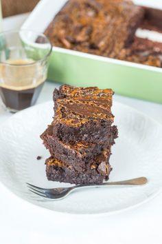 Karamellás brownie | Street Kitchen Chili, Treats, Cookies, Baking, Sweet, Kitchen, Recipes, Food, Egypt