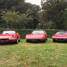 The red pack at #schlossdyck #classicdays #maserati #indy #lamborghini #urraco #ferrari #dino #chromecars