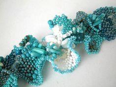 Turquoise mint white bracelet Beaded bracelet Beadwork by ibics Ocean Jewelry, Seed Bead Jewelry, Statement Jewelry, Seed Beads, Diy Jewelry, Beaded Jewelry, Beaded Bracelets, Turquoise Blue Color, Blue Colors
