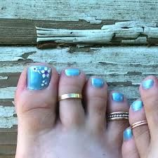 Blue toes with flowers