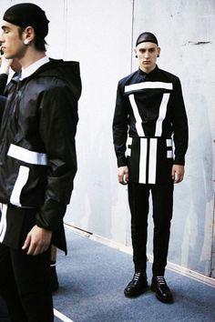 """I always come back to the dark side. It's what I'm most attracted to"" Ricardo Tisci"" Givenchy Monochrome Fashion, Dark Fashion, Minimal Fashion, White Fashion, Fashion Art, Mens Fashion, Fashion Design, Fashion Ideas, Fashion Degrees"