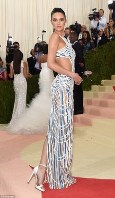 Kendall Jenner shows lithe frame in Versace at the Met Gala 2016