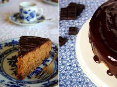Bolo de chocolate com nozes e especiarias