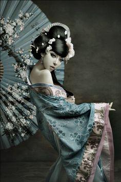 steampunkish styled geisha model...i like it. I wonder if il be able to do something like this....