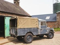 Land Rover, daily worker