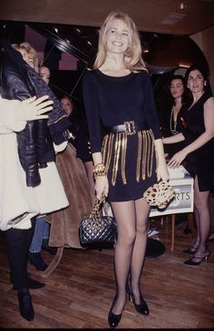 40 Pictures of Supermodels at Their Supermodel-iest Cozy Fashion, 90s Fashion, Daily Fashion, Fashion Photo, High Fashion, Vintage Fashion, Claudia Schiffer, Top Models, Female Models