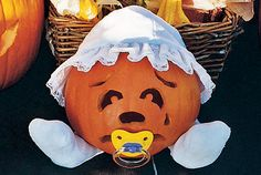 25 Easy Pumpkin Carving Ideas for Halloween Spirit Halloween, Baby Halloween, Halloween Pumpkins, Halloween Crafts, Halloween Decorations, Halloween Ideas, Halloween Tricks, Halloween Stuff, Easy Pumpkin Carving