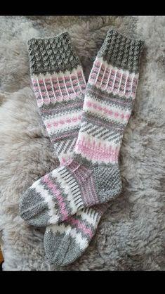 Neulominen Fingerless Mittens, Knitting Socks, Hand Knitting, Crochet Socks, Crochet Gloves, Knit Crochet, Knitting Charts, Knitting Patterns, Antlers