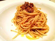 Spaghettoni al ragù d'agnello | Svinando Magazine |