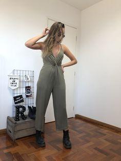 Macacão Verde Tova Shop Now, Jumpsuit, Shopping, Dresses, Fashion, Green Jumpsuits, Online Thrift Store, Overalls, Vestidos