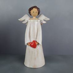Good Cost-Free Sculpture Clay angel Style There are plenty of kinds of clay surfaces used for statue, just about all diverse with regard to coping with Ceramic Shop, Ceramic Pottery, Pottery Art, Ceramic Art, Pottery Angels, Cerámica Ideas, Handmade Angels, Ceramic Angels, Angel Crafts