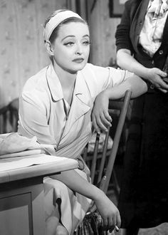 Bette Davis as Margo Channing in ALL ABOUT EVE (1950)