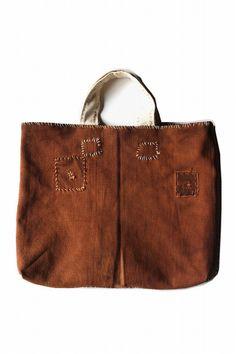 Sakabukuro remake tote bag/Japanese by SASAKIYOHINTEN on Etsy Indigo, Remake Clothes, Jean Bag, Hippie Bags, Liqueur, Grain Sack, Boro, Vintage Stuff, Wabi Sabi