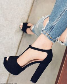 8 Limitless Tips AND Tricks: Fashion Shoes Art in her shoes quotes.Prom Shoes For Tall Girls full height shoes cabinet. Pretty Shoes, Beautiful Shoes, Cute Shoes, Me Too Shoes, Dream Shoes, Crazy Shoes, Stilettos, Pumps, Shoe Boots
