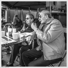 Sharing Chips - Hitchin Market Candids