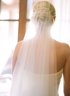 #veils  Photography: Kelli Lyn Photography (http - kellilynphotography.com Floral Design: Sweet Pea Designs - sweetpeadesignsvail.com/company.htm  Read More: http://www.stylemepretty.com/2013/03/13/colorado-wedding-from-kelli-lyn-photography/